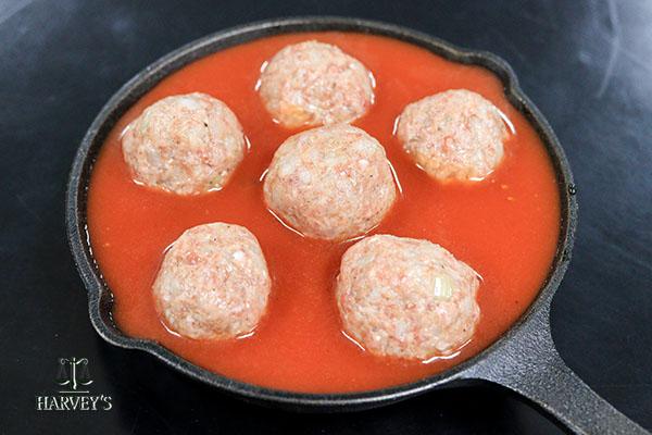 かぼちゃとミートボールのトマト煮 ハロウィン風
