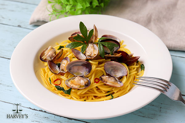 あさりとイタリアンパセリのパスタ サフラン風味